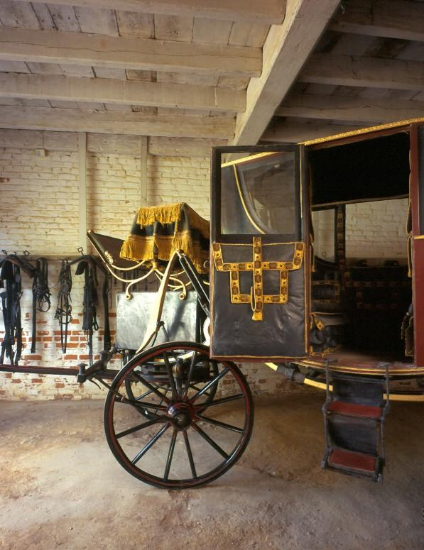 A coach like the one George Washington travelled in, displayed at Mount Vernon.