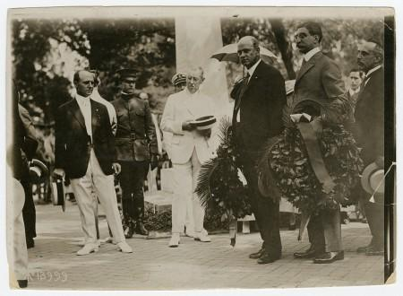 President Woodrow Wilson at Washington's tomb, July 4, 1918, Bain News Service. MVLA.