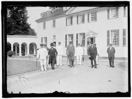 Group at Mount Vernon, Harris & Ewing, 1911, Library of Congress.