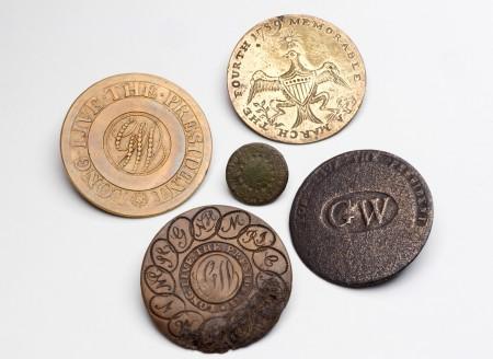 A selection of buttons commemorating Washington's presidency. (Mark Finkenstaedt)