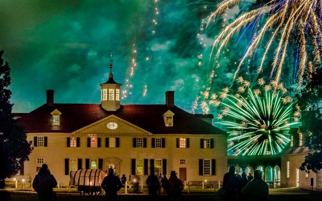 Christmas Illuminations at Mount Vernon