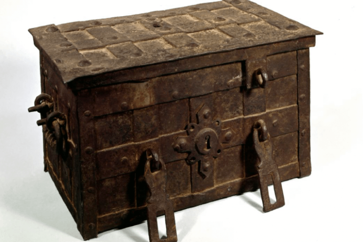 Mount Vernon War Chest<