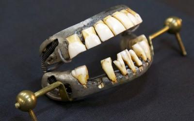 Washington's last set of dentures was made in 1787.