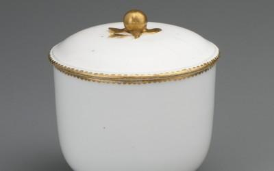 Sèvres porcelain sugar bowl and cover
