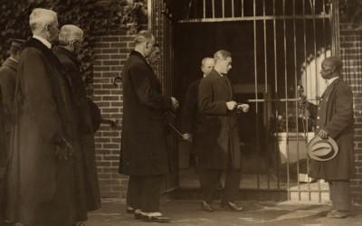 The Prince of Wales at Washington's Tomb, 1919