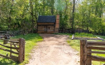 Guests can visit the slave cabin and learn more about those enslaved at Mount Vernon.