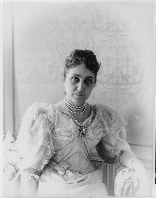Phoebe Apperson Hearst (1895). Library of Congress Prints and Photographs Division.