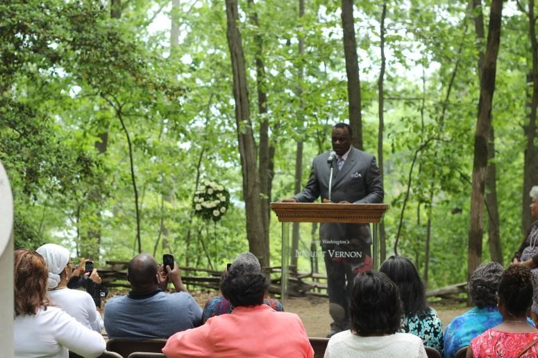 Dedication ceremony at the Mount Vernon Slave Memorial  (Mount Vernon Ladies' Association)