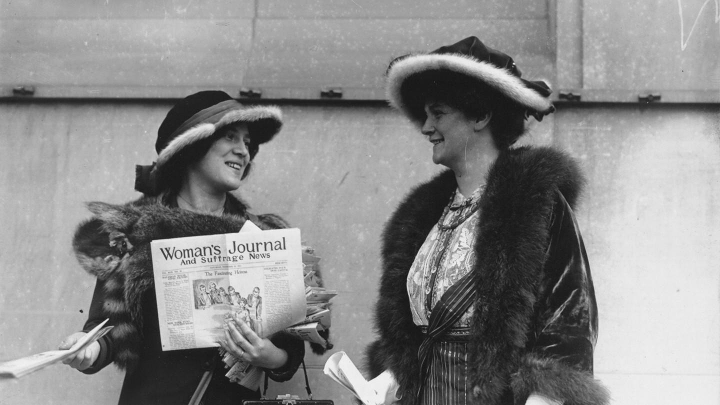 Suffragists distribute the Woman's Journal in 1913. Library of Congress