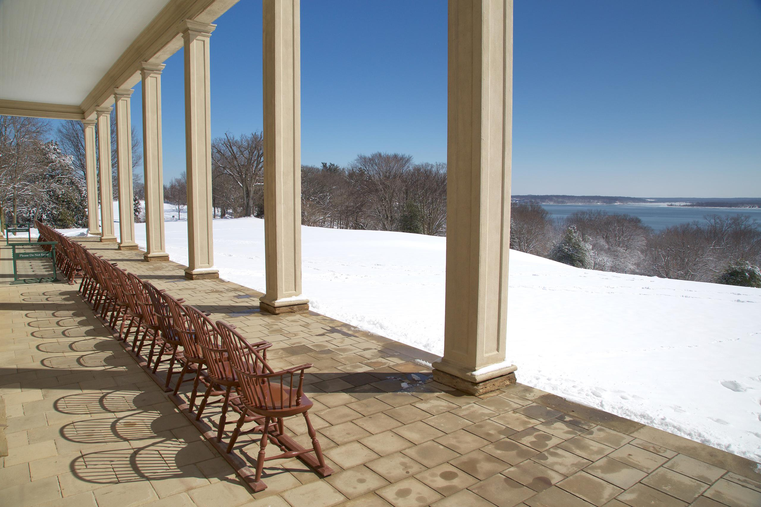View from the Mount Vernon piazza on a snowy, winter's day (Rob Shenk - Mount Vernon Ladies' Association)